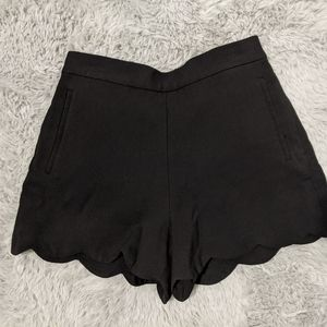 Highwaisted shorts from Wilfred
